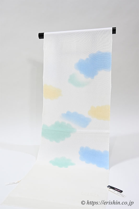 帯揚げ(ふわふわとした雲/白錬色地) 和小物さくら